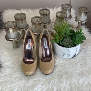 Steve Madden tan nude patent leather heels pumps size 7